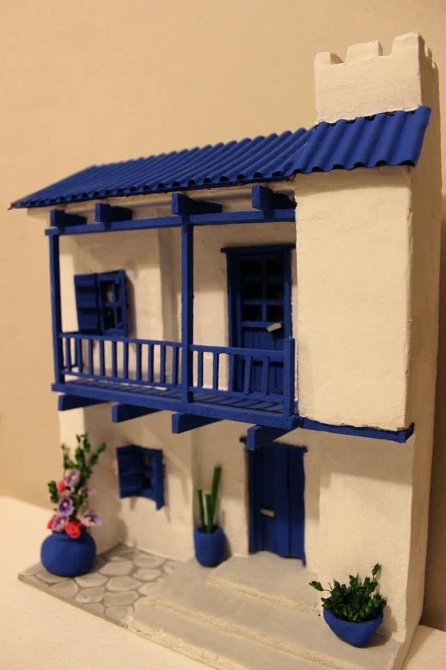 Retablos, Taller Lu Avellana Casa blanco-azul  / White-blue house