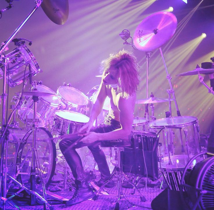 """Yoshiki on Twitter: """"I'm leaving #XJAPAN.. April 1st https://t.co/7yQWRGhFFT"""""""
