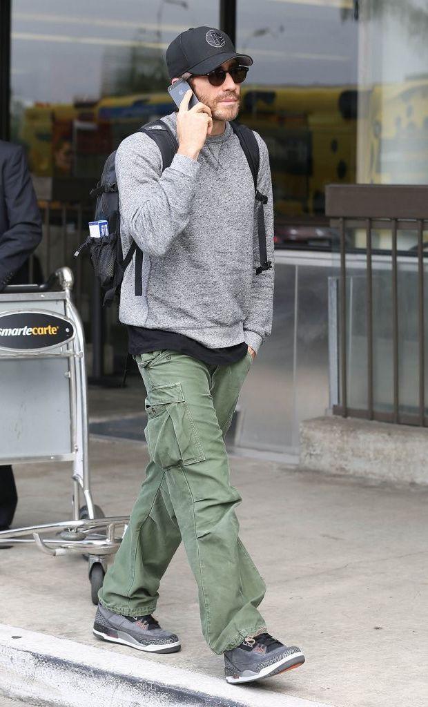 """size 40 656ce 4aea4 Jake Gyllenhaal in the Air Jordan 3 """"Fear""""   Celebrity Sneaker Stalker    Pinterest   Celebrity sneakers, Jordans sneakers and Jordan shoes"""
