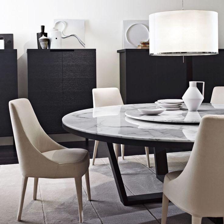 Table, chairs Tables: XILOS – Collection: Maxalto – Design: Antonio Citterio