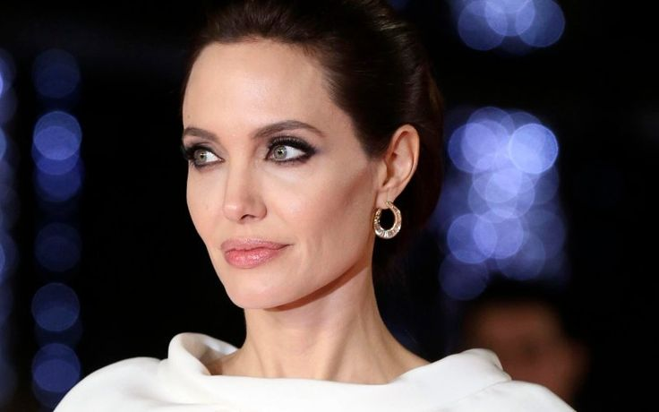 Angelina Jolie's Empowering Kid's Choice Awards Speech: 'Different is Good' - THE DAILY BEAST #Jolie, #Kid'sChoiceAwards