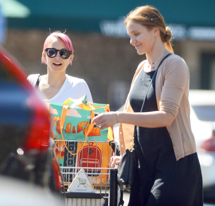 Newly married Cameron Diaz and her sister-in-law Nicole Richie were spotted grocery shopping on Saturday, March 14