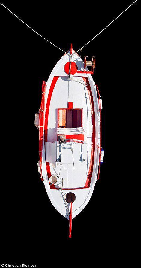 8-Petros-Delentas-bateau