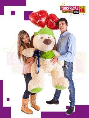 PARA EL QUE MANDA Sorprende con este especial peluche gigante que enamorara una vez mas a esa persona especial. Visita nuestra tienda online www.sorpresascolombia,com o comunicate con nosotros 3003204727 - 3004198