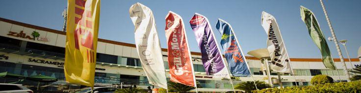 Banderas Publicitarias en Plaza Comercial www.businessflags.mx