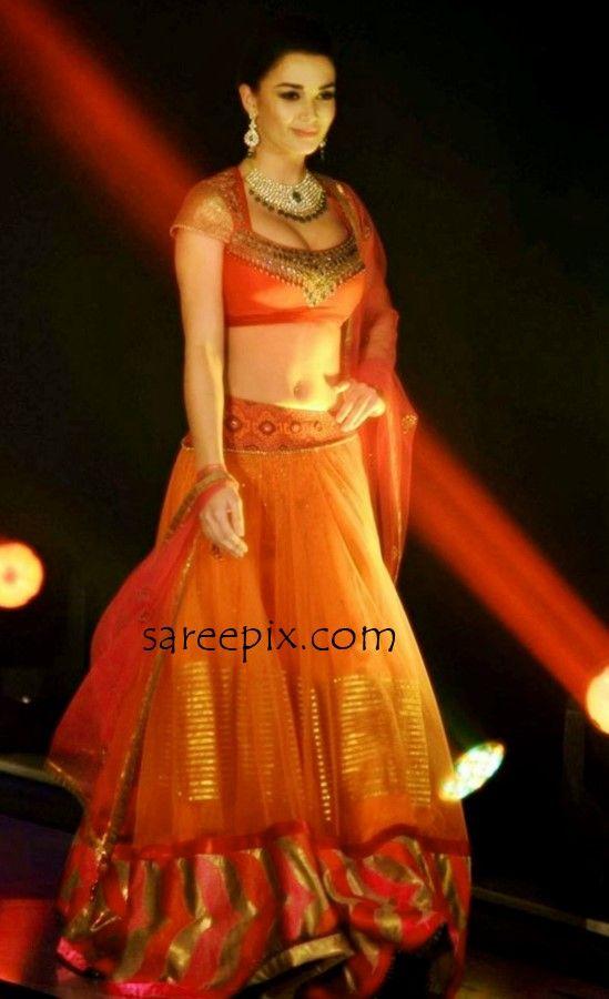 Singh-Is-Bliing-Fashion-show-Amy-jackson-lehenga-1