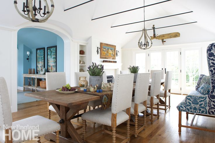 Farrow & Ball's Dix Blue used in the hallway was the starting point for this home's palette of blues and whites. Interior design: Nancy Serafini, Photography: Michael Partenio