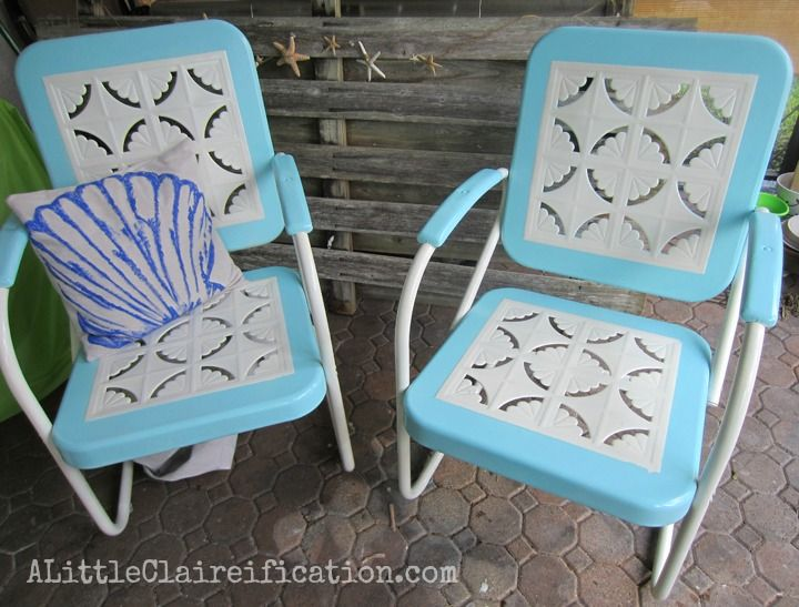 Metal Patio Furniture makeover by ALittleClaireification.com /  @ALittleClaire #furniture #restoration #makeover