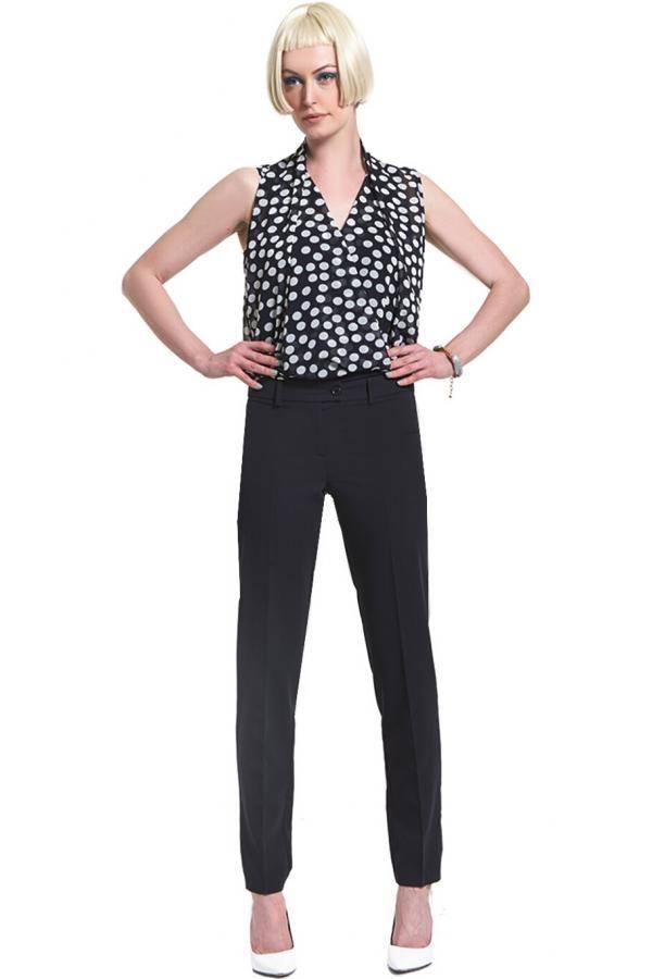 Παντελόνι T/R κλασσικό με φιλέτο τσέπες πίσω και ζωνάκι με προεξοχή σε ίσια γραμμή