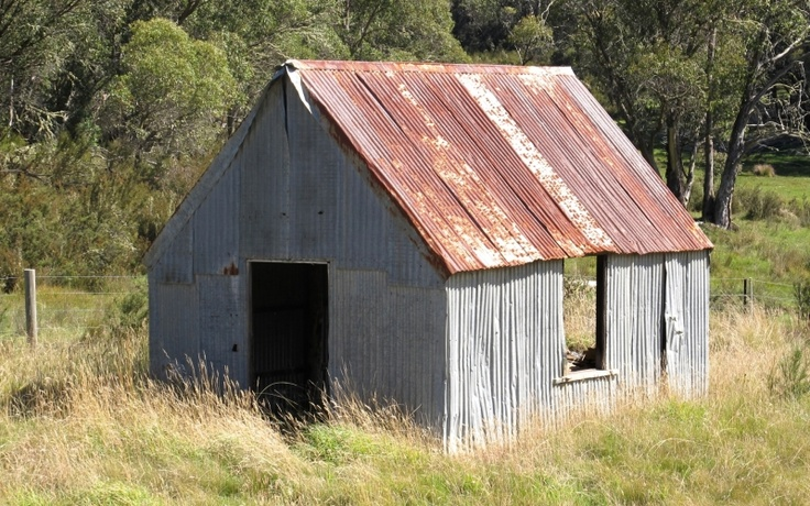 Old barn, roadside near Bright, Victoria.