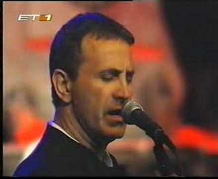 George Dalaras - Ah helidoni mou (live, 2001). Geez, I can't get enough him, beautiful♥