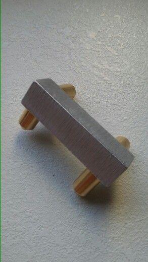 Element de colt si de capat pentru plinta BA400 - varianta aluminiu periat. www.supertechmaterials.ro