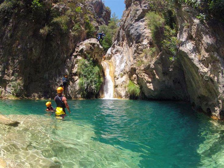 La ruta de las Pozas del Río Verde en Otivar, Granada
