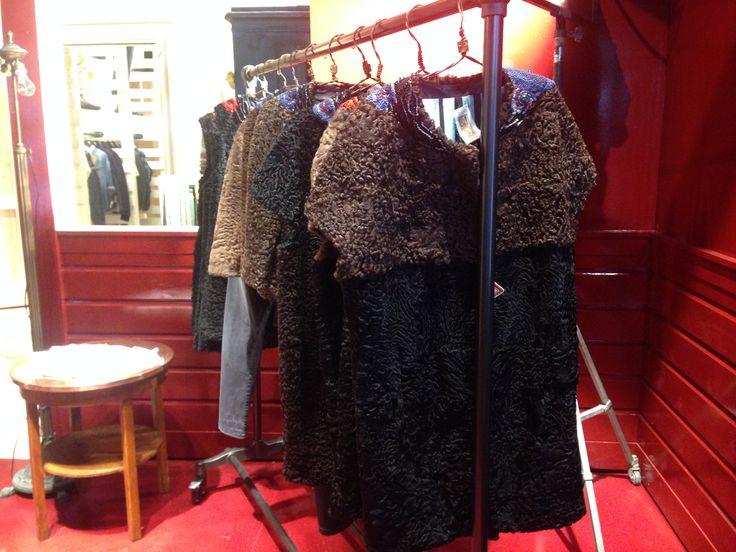 IBRIGU fur in Replay new shop in Milano