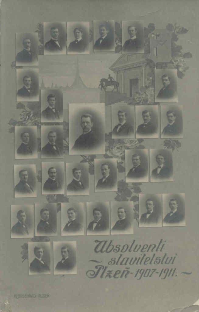 Absolventi z let 1907-1911, pohlednice prošlá poštou 10.3.1911, vyrobeno ve fotografickém ateliéru K. L. Soběhrad, Plzeň. Zdroj www.filokartie.cz