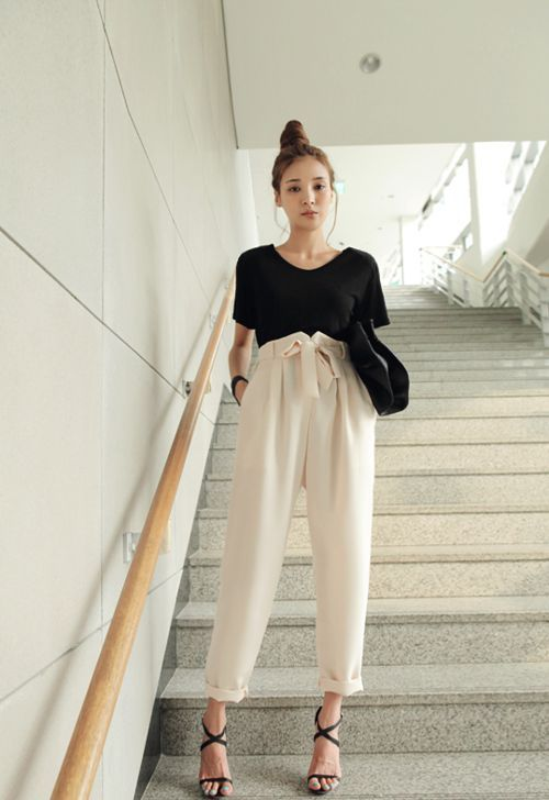 In love with these high-waisted pants!
