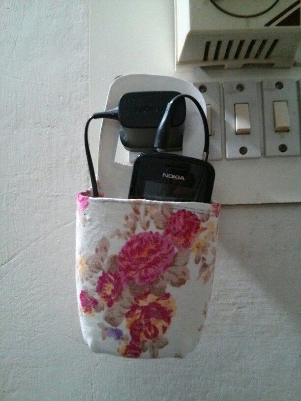 Mobile phone holder - Idea from Pinterest
