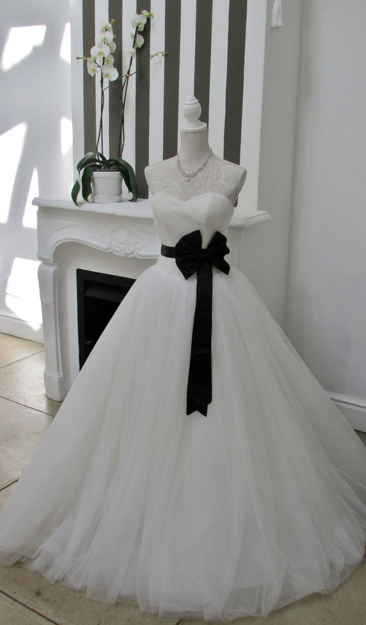 Add some colour to your bridal gown to give it a completely different look...