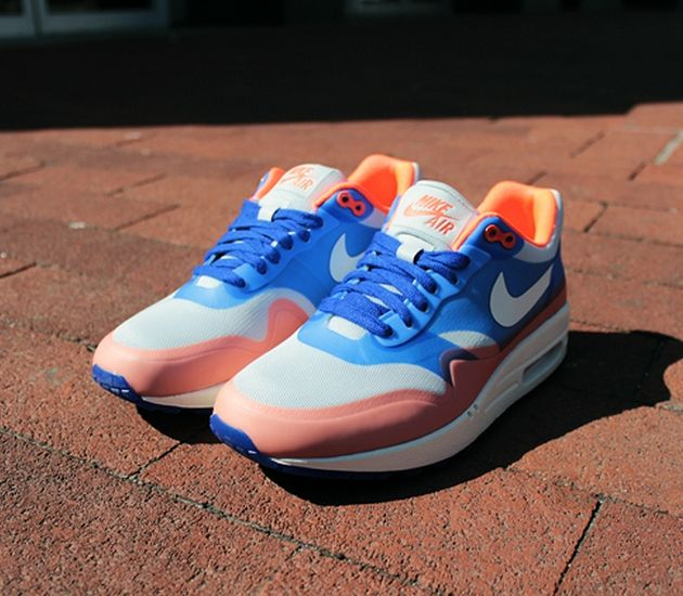 Nike WMNS Air Max 1 Hyperfuse – Hyper Blue / Total Crimson