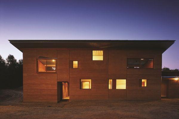 Casa de terra eco-eficiente na Austrália | sustainable ...