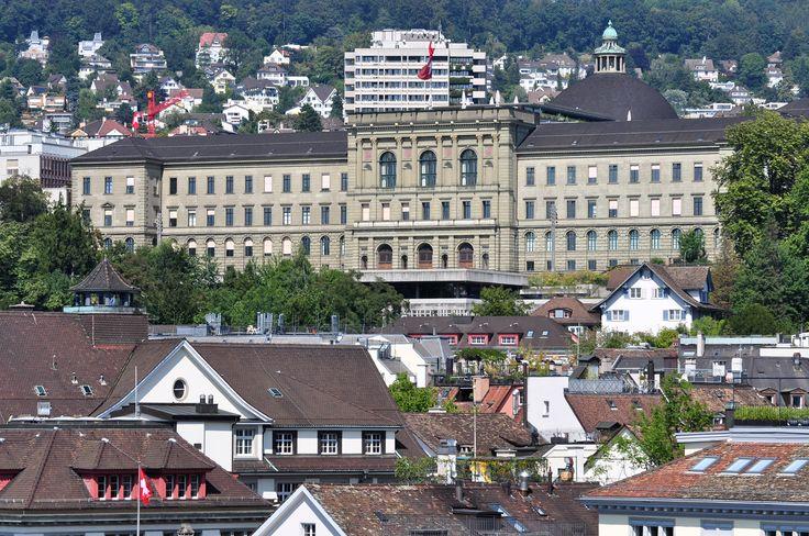 ETH_Zürich_-_Lindenhof_2011-08-01_15-53-52.jpg (4288×2848)