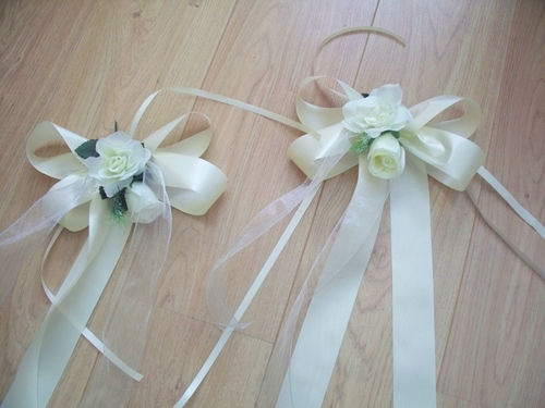 WEDDING FLOWERS 10 CHURCH PEW ENDS £24.00