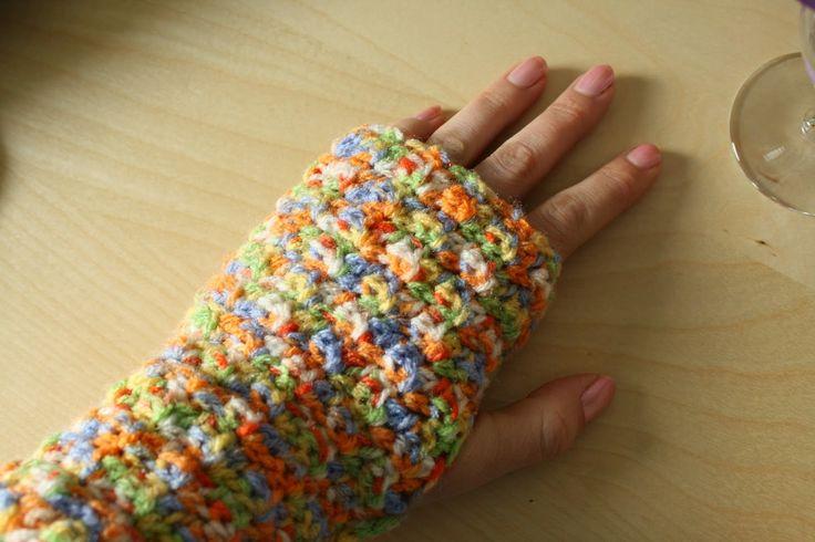 Busy fingers, busy life...: Pattern: Easy-as-pie Fingerless Mitts / Supermakkelijke vingerloze wanten