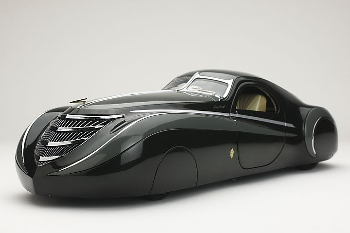"1939 Duesenberg Coupe Simone ""Midnight Ghost"".The car was made by the american car body designer Emmet-Armand on the basis of the Duesenberg Type J. They only made one,which was ordered by the French cosmetics king Gui(Guy) De LaRouche,as a gift to his lover Simone."