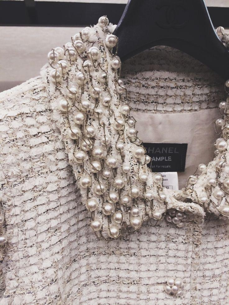 25. Chanel - самый желанный и любимый бренд - если бы была возможность купила бы себе настоящий твидовый жакет Chanel
