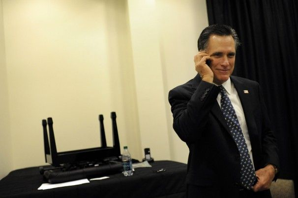 Mitt Romney Wife Photo Gallery | Former Massachusetts governor Mitt Romney talks to Rep. Ron Paul (Tex ...