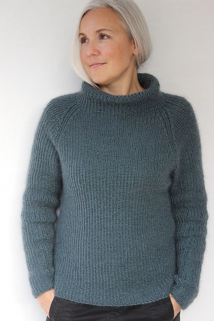 The pattern is available in both Danish and English.