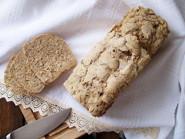Cu pâinea am o relație specială. E unul din preparatele pe care le consider magice, cu viață și voință proprie dar cu care interacționezi în mod direct și are nevoie de energia ta ca să crească și să se transforme.