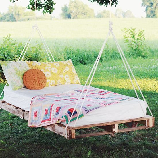 Start preparing for warm summer weather early! This DIY swing bed is yet another great project you can make with a pallet. Check out the tutorial by Merrythought!  Get tutorial: http://craftgawker.com/post/2013/07/18/51795/