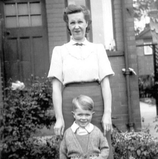 Young David Bowie with his mum Peggy Jones