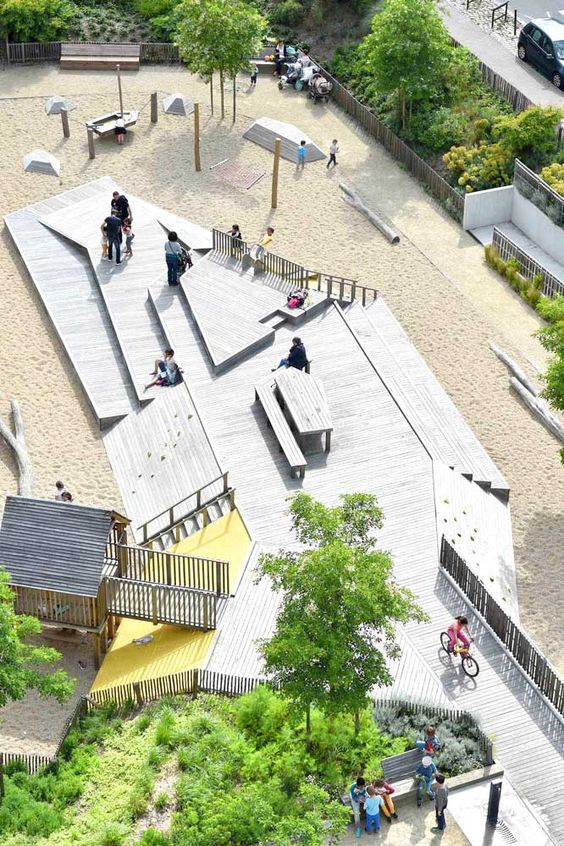 Square-de-la-Bollardiere-Playground-07 « Landscape Architecture Works | Landezine:                                                                                                                                                                                 Más