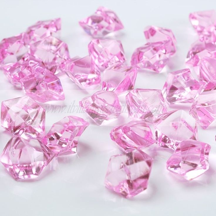 Cristalli di ghiaccio rosa/ Pink Crystals. Disponibile su http://www.ilvillaggiodeglisposi.com/
