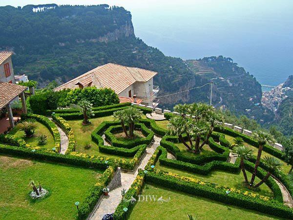 Amalfi Coast wedding venue - private villa in Ravello for wedding receptions.