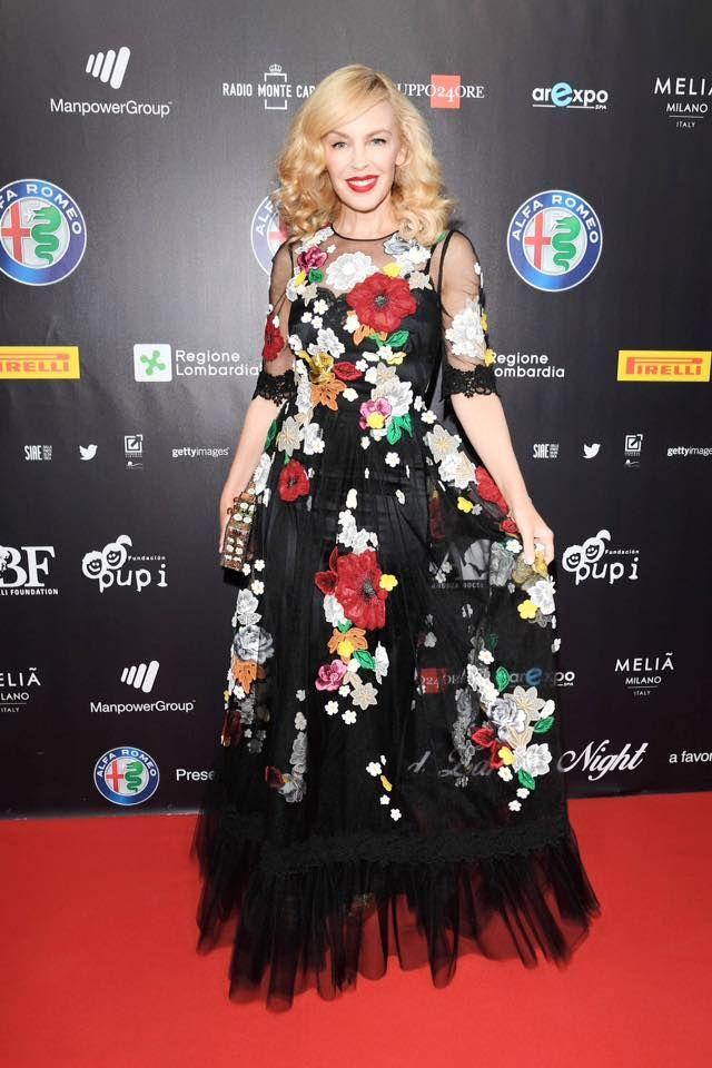 """Кайли Миноуг в Dolce&Gabbana на вечере """"Bocelli e Zanetti Night"""" в Милане."""