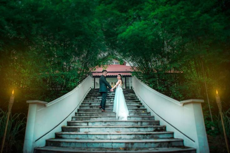 Wedding day photography in Singapore at tamarind hill!