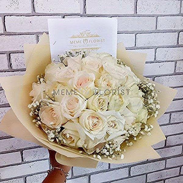 Paling Populer 19 Foto Buket Bunga Mawar Putih Jenis Bunga Mawar Satu Ini Biasanya Tumbuh Di Dataran Tinggi Dan Sangat Jarang Di In 2020 Floral Floral Wreath Wreaths