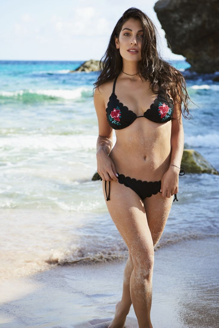 One of our musthaves is definitely this flower bikini <3 #AnnaforHKM #Hunkemöller #inspiration #swimwear #girlboss