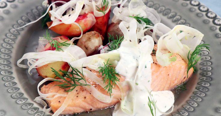 Ugnsbakad lax med fänkålsdoftande rotfrukter och en enkel citron- och dillsås. Perfekt vardagsmat à la Tommy Myllymäki.