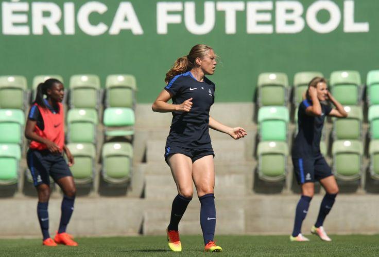 Retrouvez 20 photos de l'entraînement des Bleues ce jeudi à Belo Horizonte (photo, Camille Abily