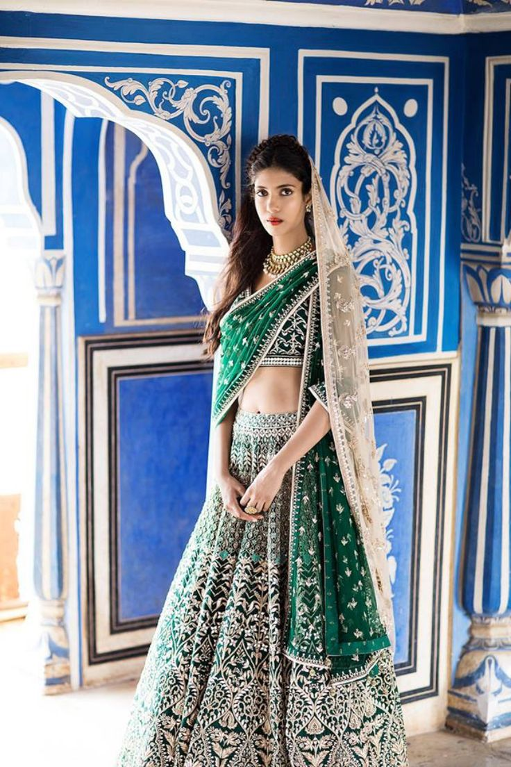 Here are some foolproof bridal lehenga trends that are here to stay in 2017!