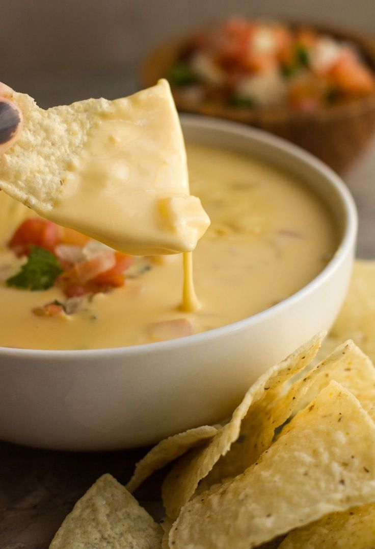 The BEST Tex Mex Queso - made WITHOUT Velveeta and Rotel. This recipe is just like what you find in restaurants. #mexicanfoodrecipes