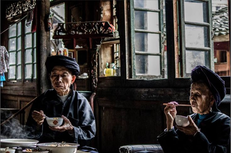 A tavola! (Timeless Lunch, foto di Karen Morris-Lanz, National Geographic Travel Photographer of the Year Contest)