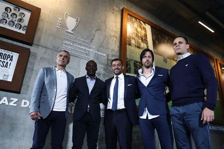 Ex-adjunto de Nuno Espírito Santo vai, contudo, manter-se ao serviço do FC Porto.