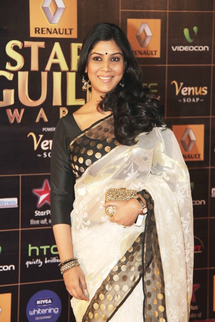Sakshi Tanwar in White and Black saree