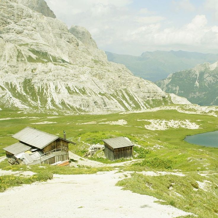 Ever since I was a little kid I have always loved alpine houses! #Dolomiti #Dolomites #Tirol #Italy