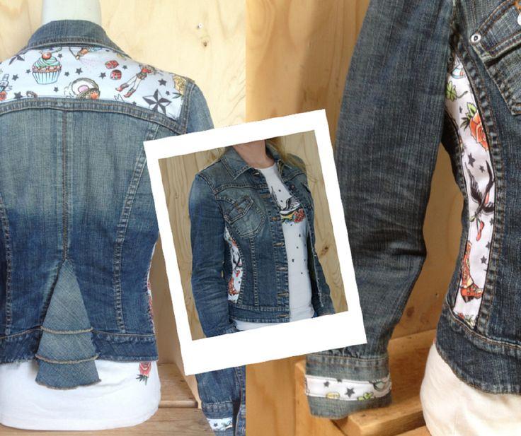 Spijkerjasje, maat M Upcycled jeans jacked 'Pimped by Lazy Lola'